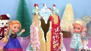 Gingerbread castle ! Elsa & Anna toddlers build a sugar cookie house
