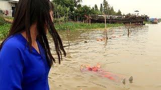 Chuyện lạ quê em: Người có khả năng nổi trên mặt nước