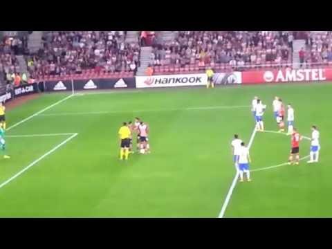 Charlie austin penalty europa league Southampton v sparta praha 2016