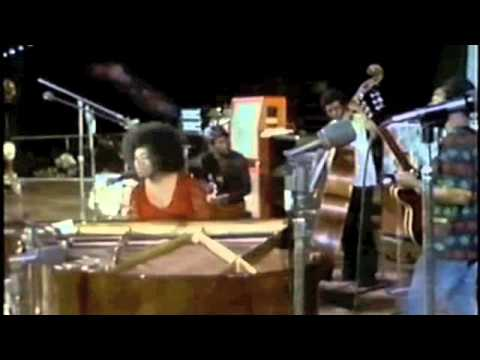 Roberta Flack 'Gone Away' at the Soul To Soul Concert in Ghana 1971