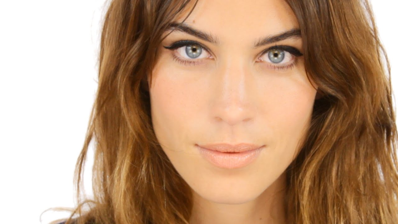 Lisa Eldridge Make Up | Video | Alexa Chung Makeup Tutorial