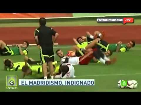 The banter between Iker Casillas and Gerard Pique Spain  Training • 2015
