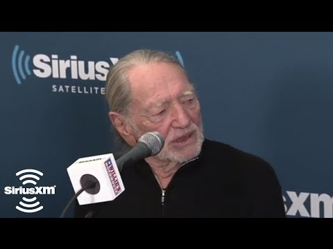 Willie Nelson [EXPLICIT] Jokes With Johnny Knoxville // SiriusXM // Willie