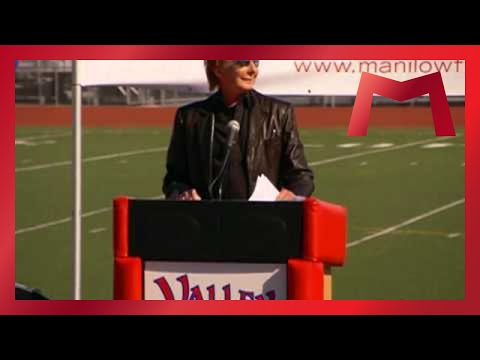 The Manilow Music Project Strikes Again! - YouTube