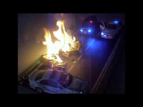 1/18 police car diorama- car collision.mpeg