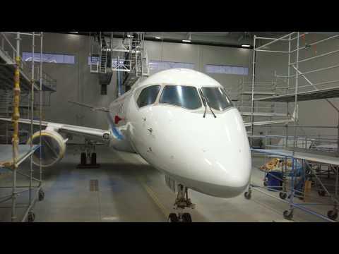 "Proces ""premaľovania"" Mitsubishi Regional Jet do farieb ANA (All Nippon Airways)"