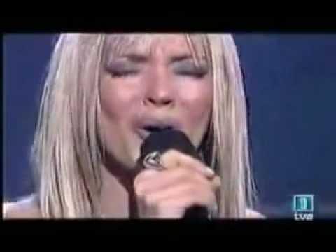 Merche  - Eras tu ( en directo y version piano ) thumbnail