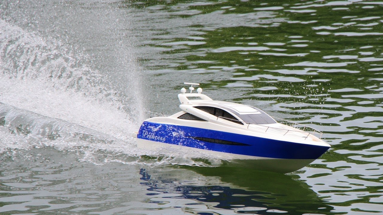 Rc Princess Brushless V Hull Boat Youtube