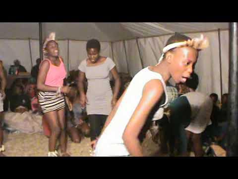 Umhlonyane KaThembelihle Part6 (amatshitshi)  ZULU Tradition  RSA