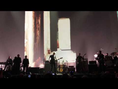 Roger Waters Dress Rehearsal Meadowlands Arena East Rutherford, NJ 5/21/17 First Two Songs