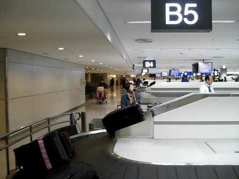 Japan has the smartest luggage conveyor belts in the world