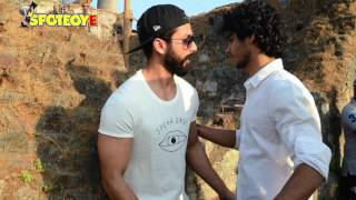 Shahid Kapoor On The Sets Of Brother Ishaan Khatter's Debut Film | Bollywood News | SpotboyE
