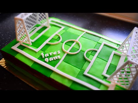 gateau d 39 anniversaire terrain de foot cake design pate sucre youtube. Black Bedroom Furniture Sets. Home Design Ideas