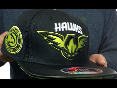 Hawks 'TEAM-BASIC STRAPBACK' Black Hat by Pro Standard