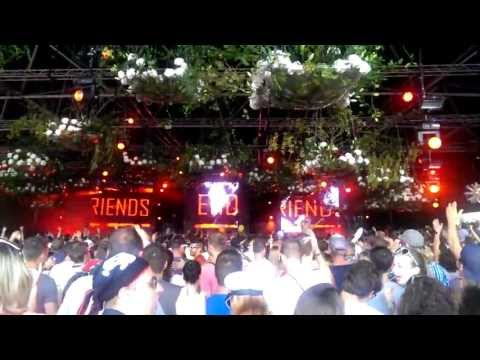 Carnage - We are Welcome to the jungle live at tomorrowland 2013