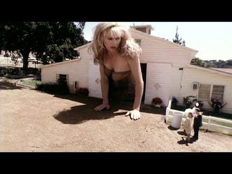 【木子】4分钟看完美国科幻片《50米高的少女》如果巨人生病了怎么办?