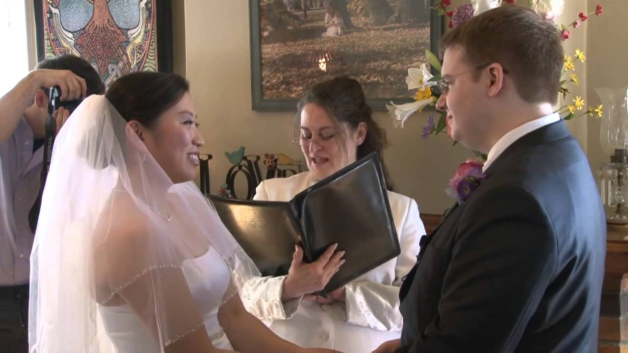 Small Wedding Venue and Wedding Officiant, Pine Manor Chicago Spring ...