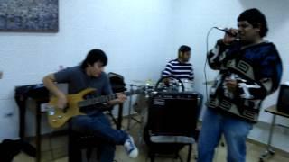 Llegando Los Monos - Opresión (en vivo en Criaturas de la Noche 16/5)