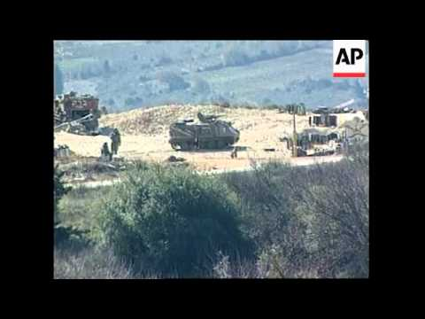 ISRAEL: EHUD BARAK VISITS ISRAELI/LEBANON BORDER (2)