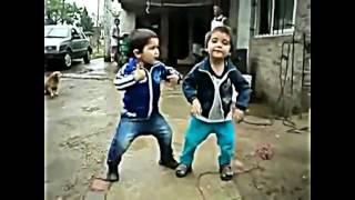 ТАНЦУЮЩИЕ МАЛЕНЬКИЕ ДЕТИ ТАНЦУЮТ ВСЕ #32(Танцующие дети такие задорные, не оторвать глаз!))) Заходи к нам на facebook.com : https://www.facebook.com/groups/1847684648785026/ Подпиш..., 2016-09-16T14:21:04.000Z)