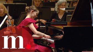 Alma Deutscher with Jane Glover - Alma Deutscher: Piano Concerto at Carnegie Hall