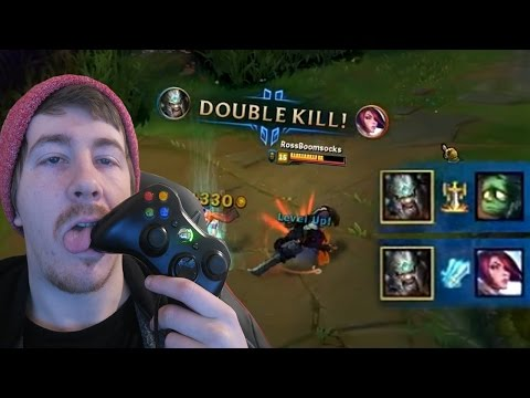 PLAYING TRYNDAMERE WITH AN XBOX 360 CONTROLLER - Weird League of Legends