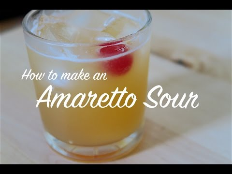 HOW TO MAKE AN AMARETTO SOUR COCKTAIL