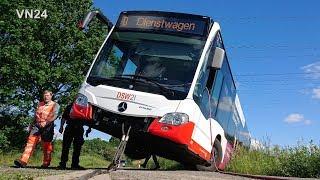 29.05.2019 - VN24 - Busfahrer verfährt sich in Dortmund - Linienbus landet im Graben