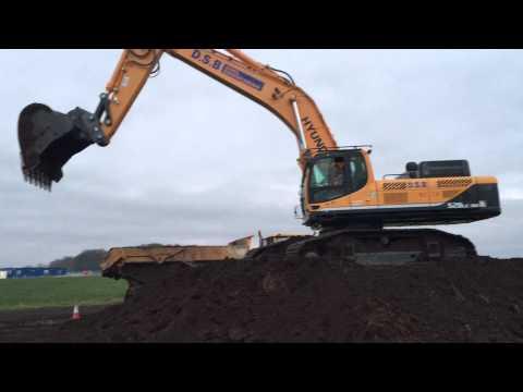 Video Pásové rypadlo HX 520L