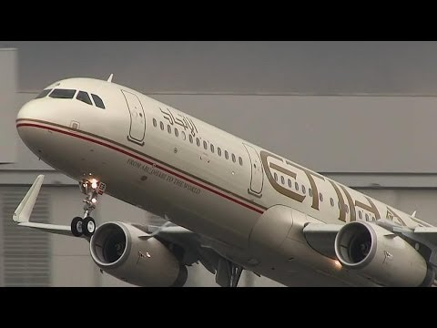 Etihad Airways Airbus A321 SL [A6-AEB] - Wet TakeOff from Hamburg-Finkenwerder Airport