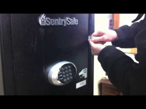 Safe Cracking How to open a Sentry Gun Safe in under 1