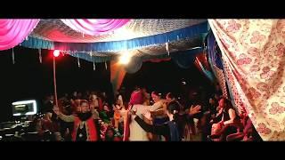 लड़कियों ने किया शादी में सुपरहिट पहाड़ी डांस