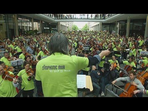 Симфонический флешмоб в торговом центре Берлина (новости)