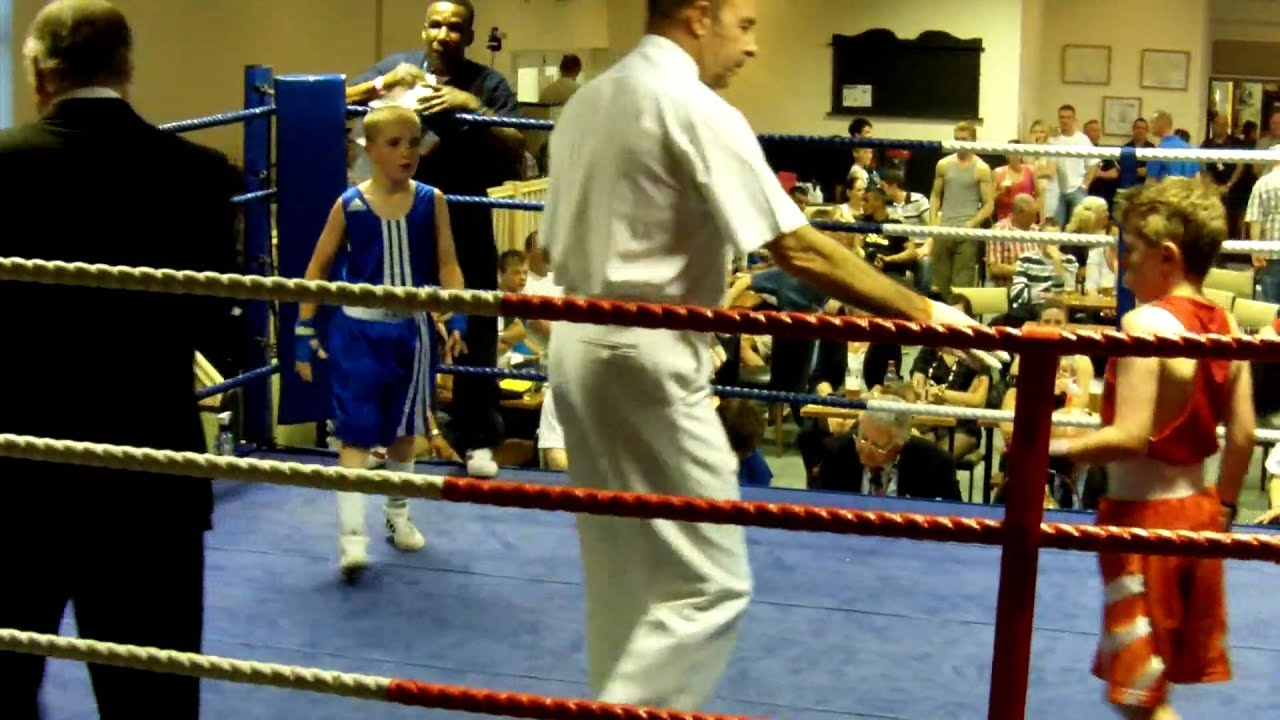 Crisp amateur boxing