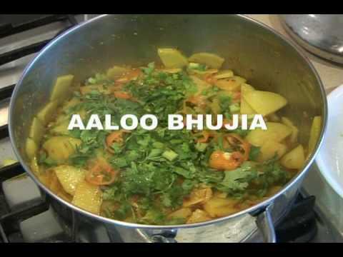 aloo ki bhujia cook with faiza funnycat tv. Black Bedroom Furniture Sets. Home Design Ideas