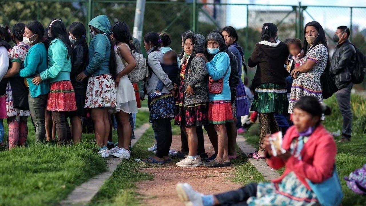 Más de 100 familias indígenas pasaron la noche en el parque Tercer Milenio