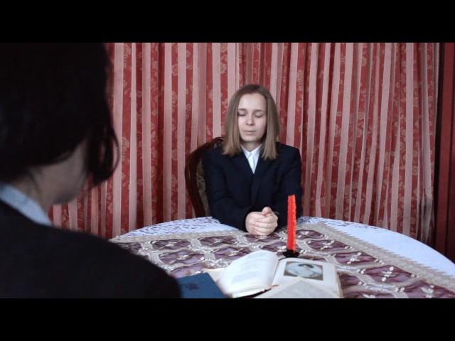 Изображение предпросмотра прочтения – АгатаСергеева читает отрывок изпроизведения «Юбилейное» В.В.Маяковского