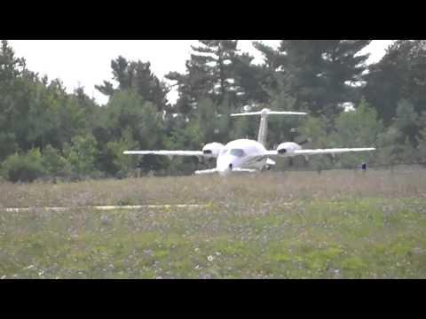 Avantair Piaggio P180 Avanti Taxi/Takeoff at KMGN [N153SL] + Co-Pilot Salute! HD *1080p*