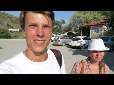 VLOG | Visiting Moldova. A Day Trip to Orheiul Vechi and walking round city.