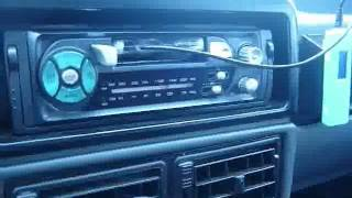 Как подсоединить касетную магнитолу к MP3 плееру.flv(Если нет CD или DVD магнитолы можно подсоединить к касетной MP3 плеер, для этого можно сделать адаптер из старой..., 2011-06-09T06:04:04.000Z)