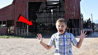 Exploring Secret Abandoned Barn! (Watch Out)