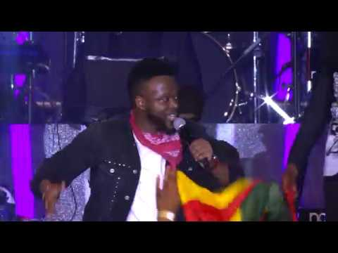 Joyous Celebration 22 feat Eric Moyo - Atawale