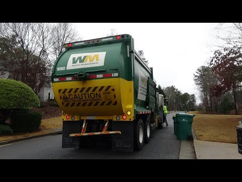 Waste Management~ LEU McNeilus MSL Recycle truck