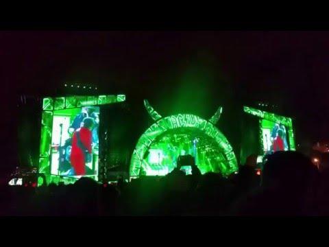 AC/DC & AXL ROSE - Dirty Deeds Done Dirt Cheap | LIVE IN LISBON 2016
