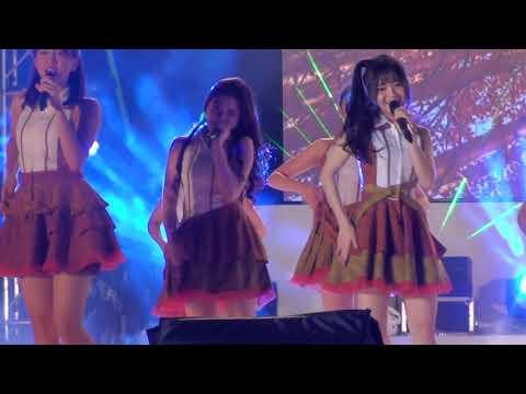 [FANCAM] JKT48 - Yuuhi Wo Miteiruka? 23122017 #6thBirthdayPartyJKT48