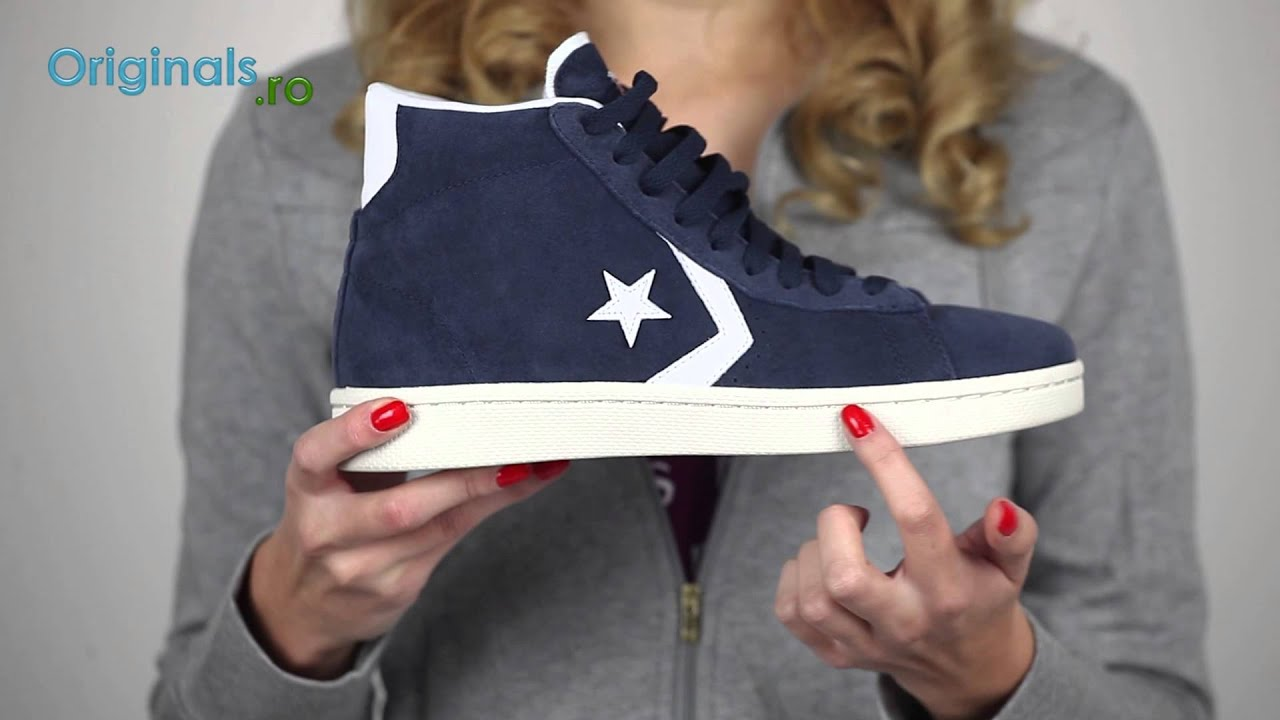 converse pro leather on feet