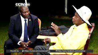 Riek Machar meets with President Museveni in Uganda