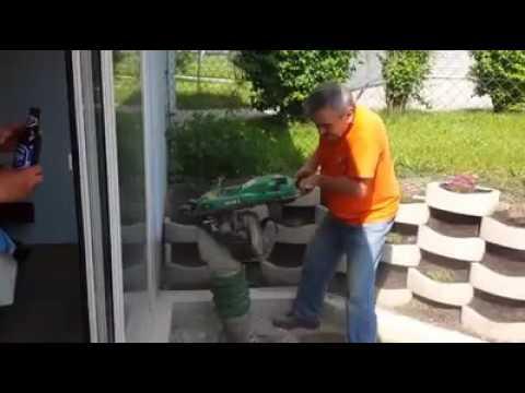 Смешно - Мужик пытается выпить пиво - когда работает встряхиватель