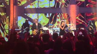 Hozier & Tori Kelly - Blackbird LIVE