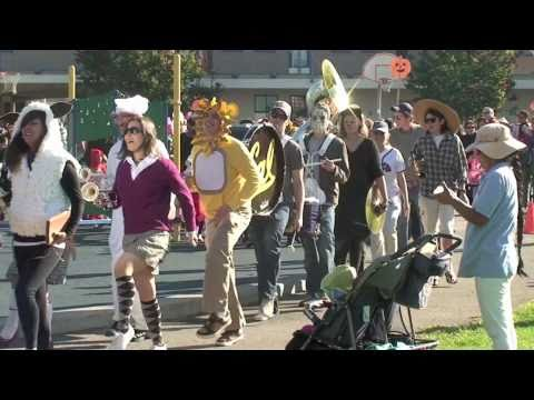 Halloween Parade - Berkeley's Thousand Oaks Elementary School
